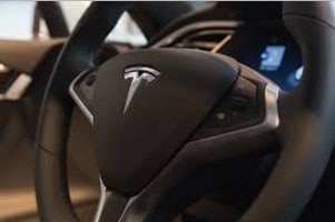 Fully Autonomous Tesla Drives Itself with Zero Human Intervention