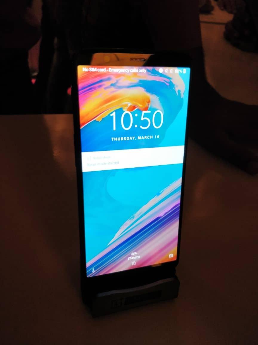 TechGYO_OnePlus 5T