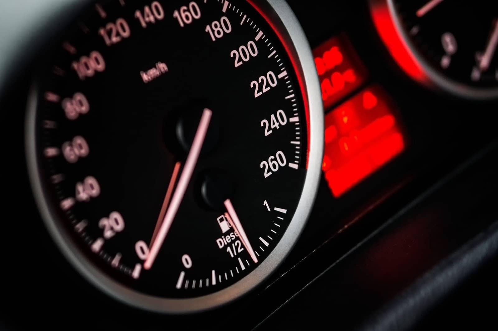 https://images.pexels.com/photos/104836/speed-car-vehicle-drive-104836.jpeg?auto=compress&cs=tinysrgb&dpr=2&h=750&w=1260
