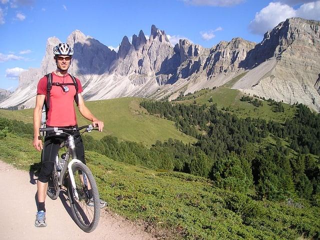 cycle-tour-satellite-navigation